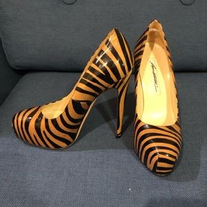 Brian Atwood Shoes - BRIAN ATWOOD MANIAC TIGER PRINT PUMPS SIZE 37 1/2
